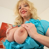 Mature Lucy Gresty