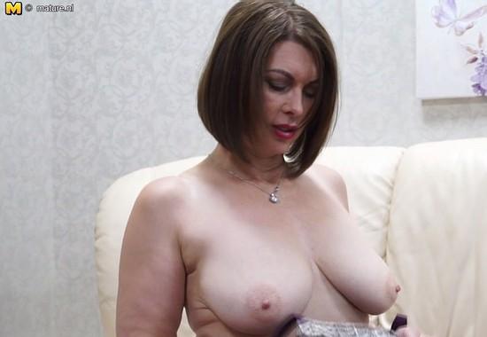 nud grannies
